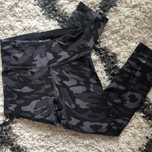 DKNY high-waisted cropped camo leggings